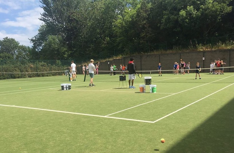 Campamento de tenis