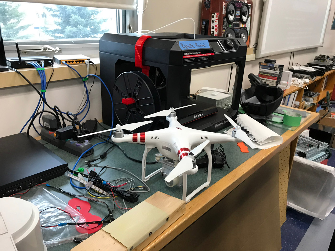 Dron en una escuela de Canadá
