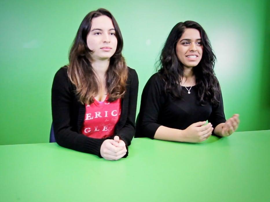 Estudiantes haciendo prácticas de TV