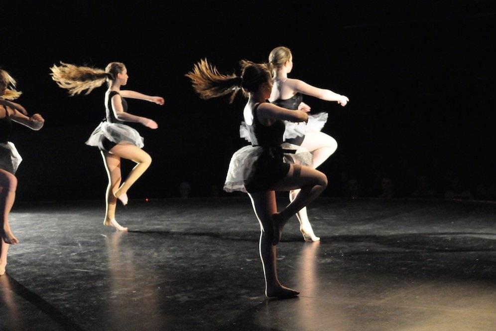 Mission dance